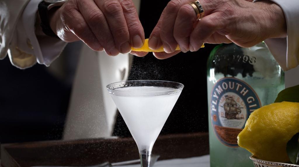 Готовка коктейля методом стир