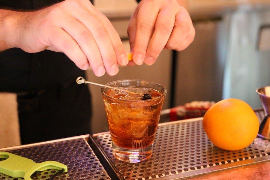 Готовка коктейля методом билд