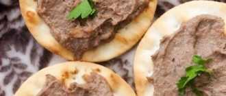 Печеночный паштет со сливочным маслом: простой и вкусный рецепт
