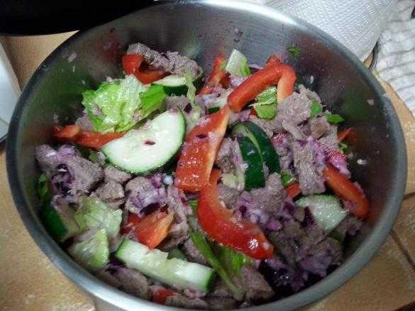 Мясо с огурцами: способы приготовления
