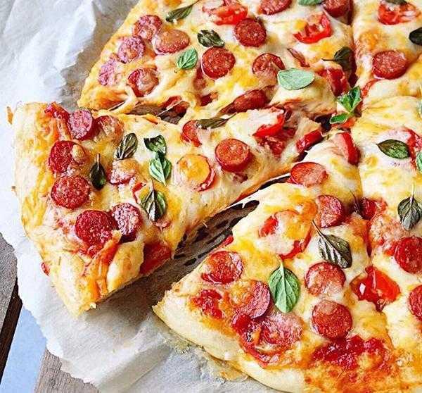 Пицца с вареной колбасой: рецепт и способ приготовления