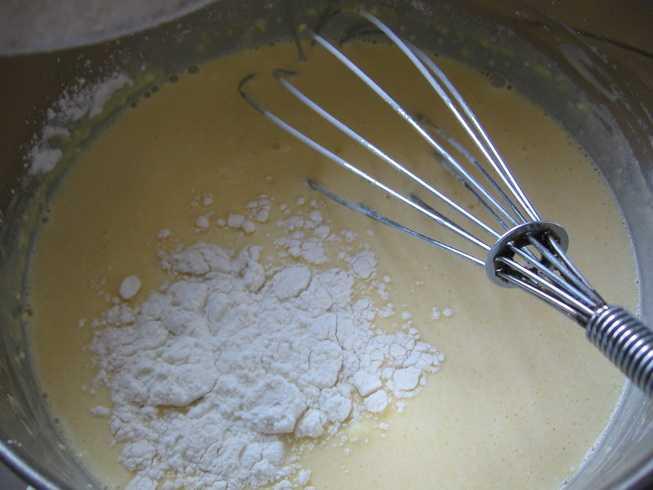 Рецепт вкусных яичных блинов с крабовыми палочками