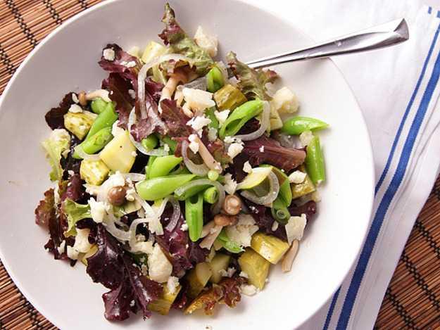 Салат с грибами и огурцами: простое и вкусное блюдо за считанные минуты