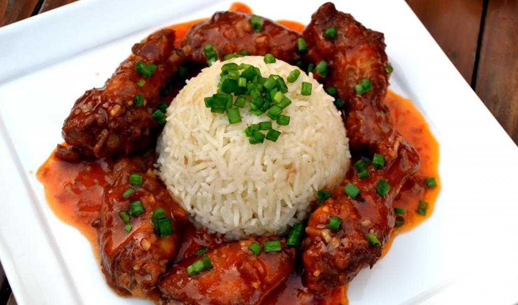 Рис с крылышками в духовке: рецепт и способ приготовления