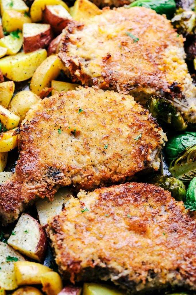Свиные отбивные в духовке с сыром: удачные рецепты