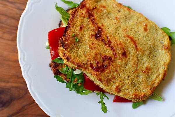 Как вкусно пожарить хлеб на сковороде: рецепты и рекомендации