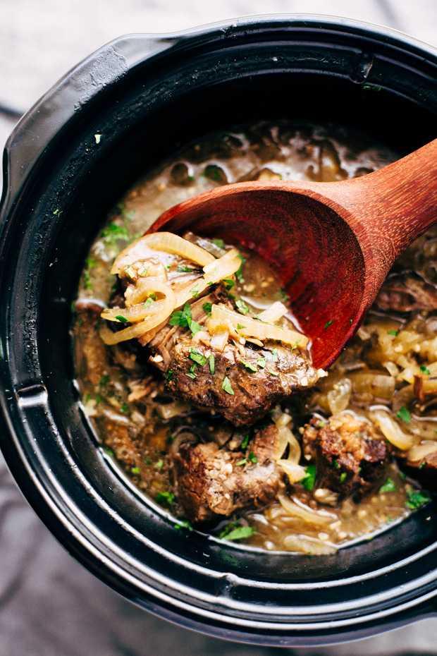 Мясо с луком в духовке: варианты приготовления, рецепты