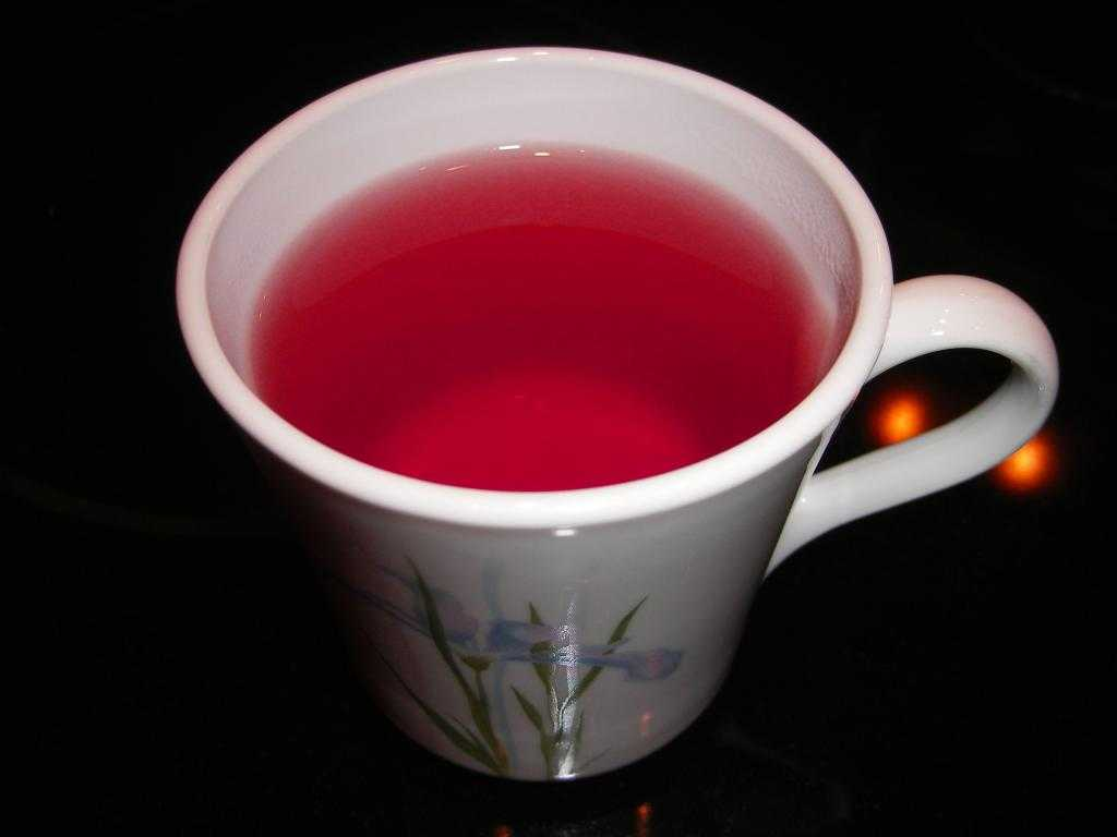Розовый чай: полезные свойства и преимущества напитка