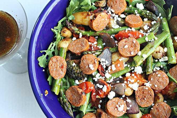 Салат из сырокопченой колбасы: рецепты с фото