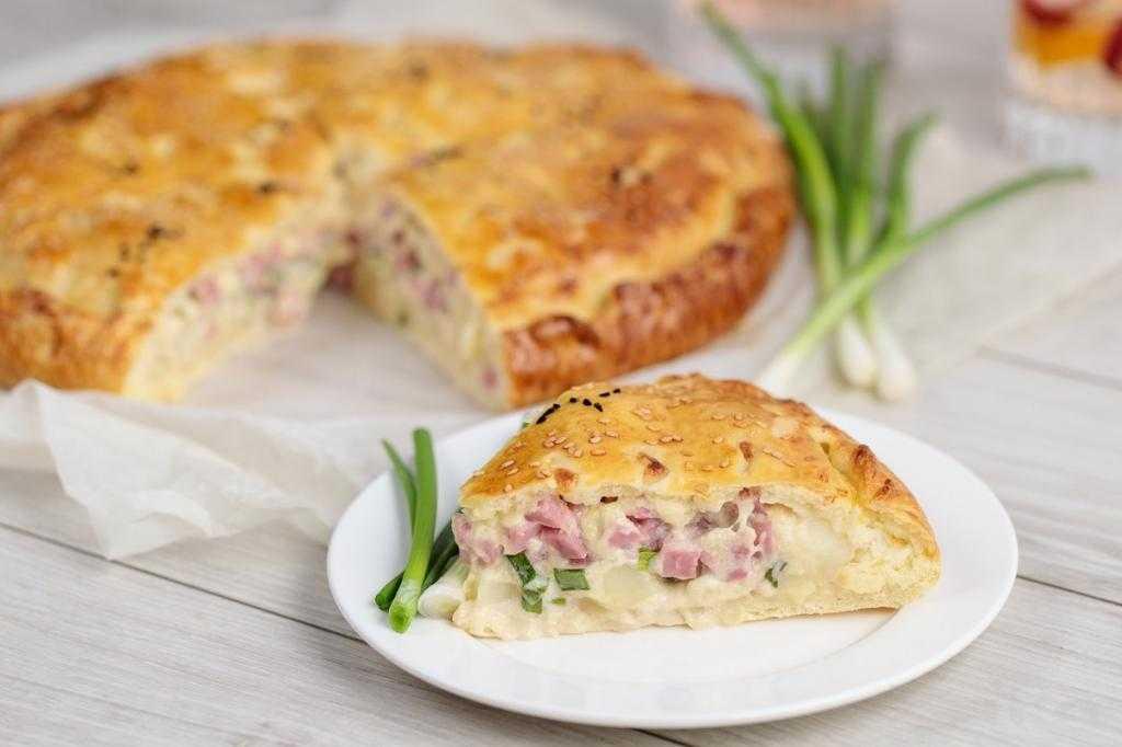 Заливной пирог с ветчиной и сыром: самые вкусные рецепты
