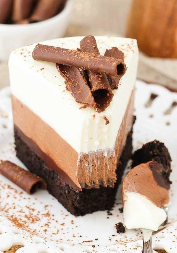 """Муссовый торт """"Три шоколада"""": рецепт приготовления"""