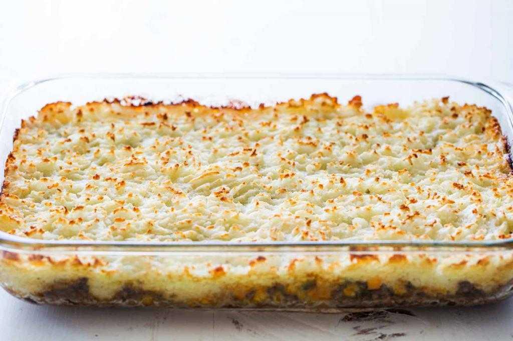 Рецепты запеченной картошки с фаршем в духовке. Сколько готовится картошка с фаршем в духовке?