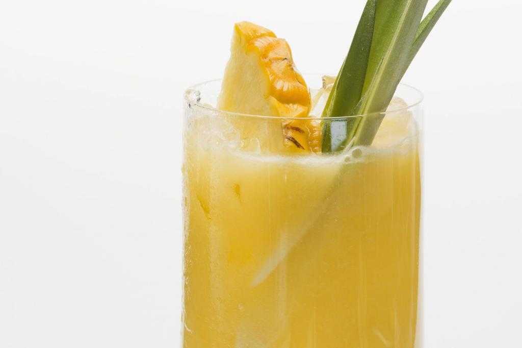 Коктейли с ананасовым соком: рецепты с фото