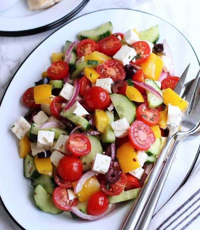 Салат с помидорами огурцами и брынзой: рецепты приготовления