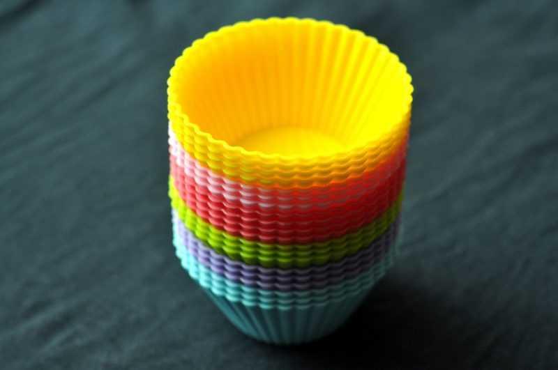 Силиконовая форма для выпечки в микроволновке.
