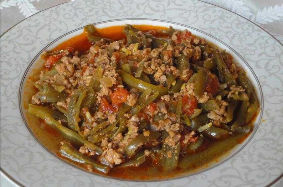 Фарш с фасолью в томатном соусе: вкусно и быстро